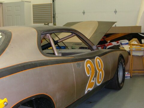 Found in a barn in Iowa: NASCAR Dodge Charger with Petty chassis