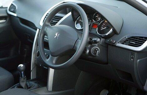 Peugeot_207_van_3